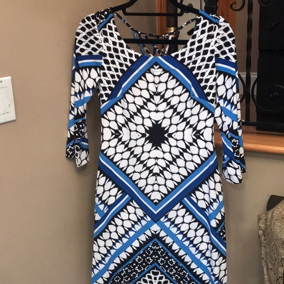 Pretty print dress  worn once Business or pleasure